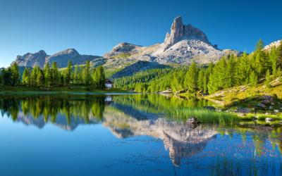 Lago Federa, un pittoresco lago dolomitico a 2.038 m