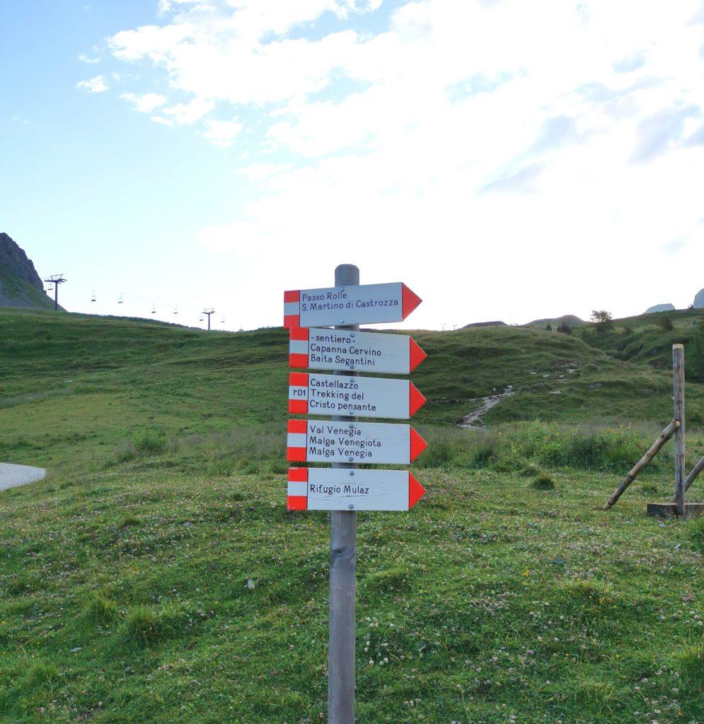 Passo Rolle cartelli sentieri