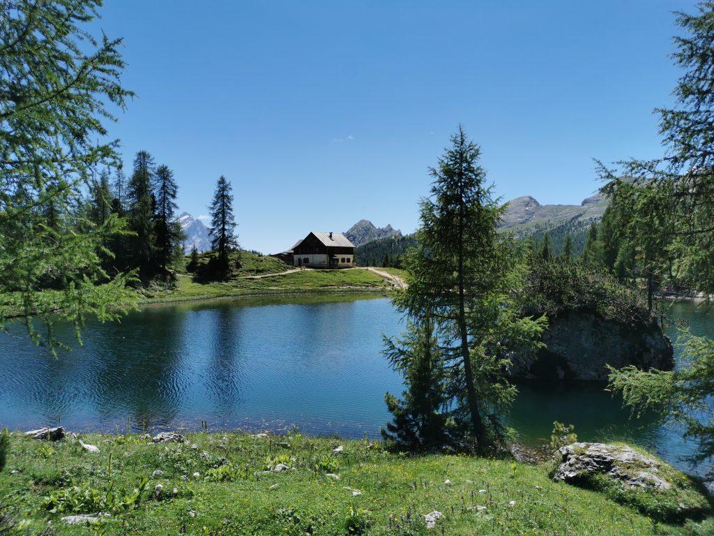 Lago Federa Riva Rifugio