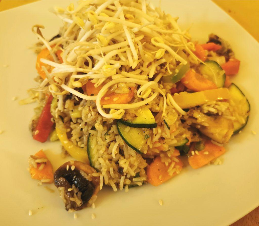 Riso thai con verdure ristorante vegan Nadamas