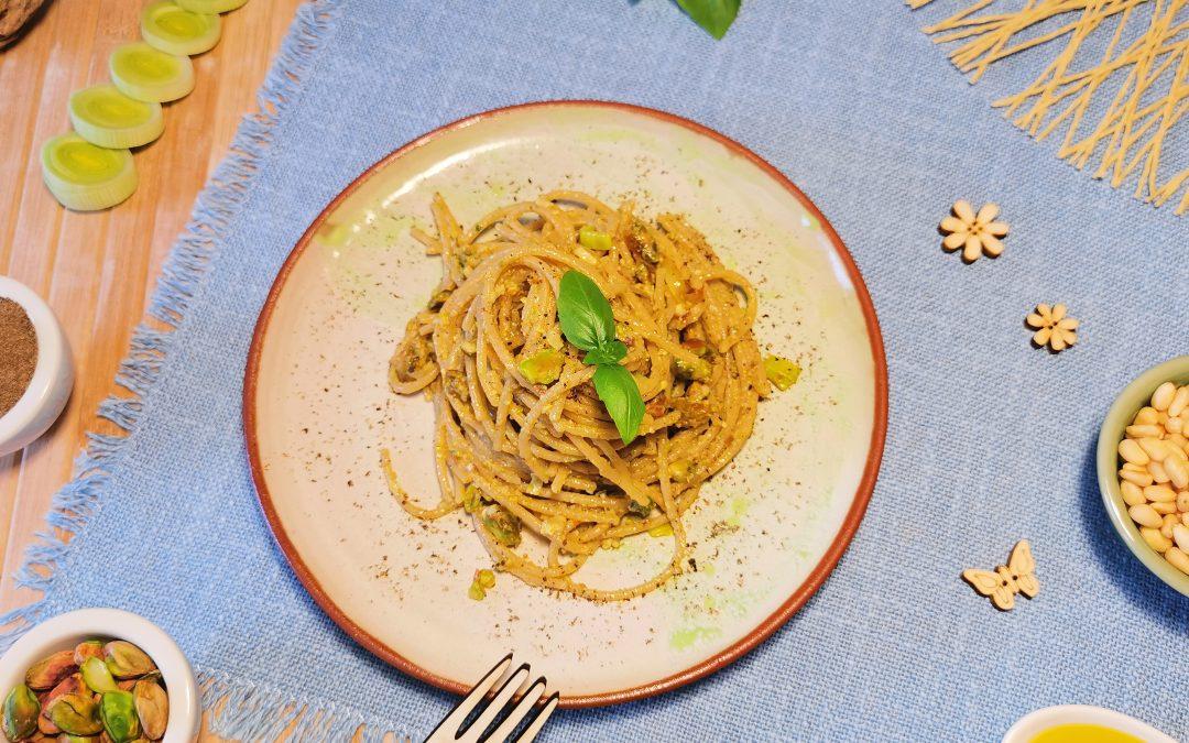 Spaghetti integrali con pesto di pistacchi