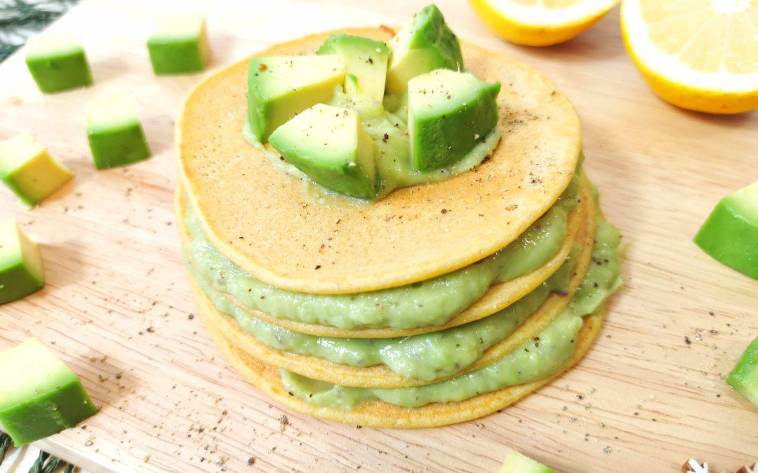 Pancake salati all'avocado
