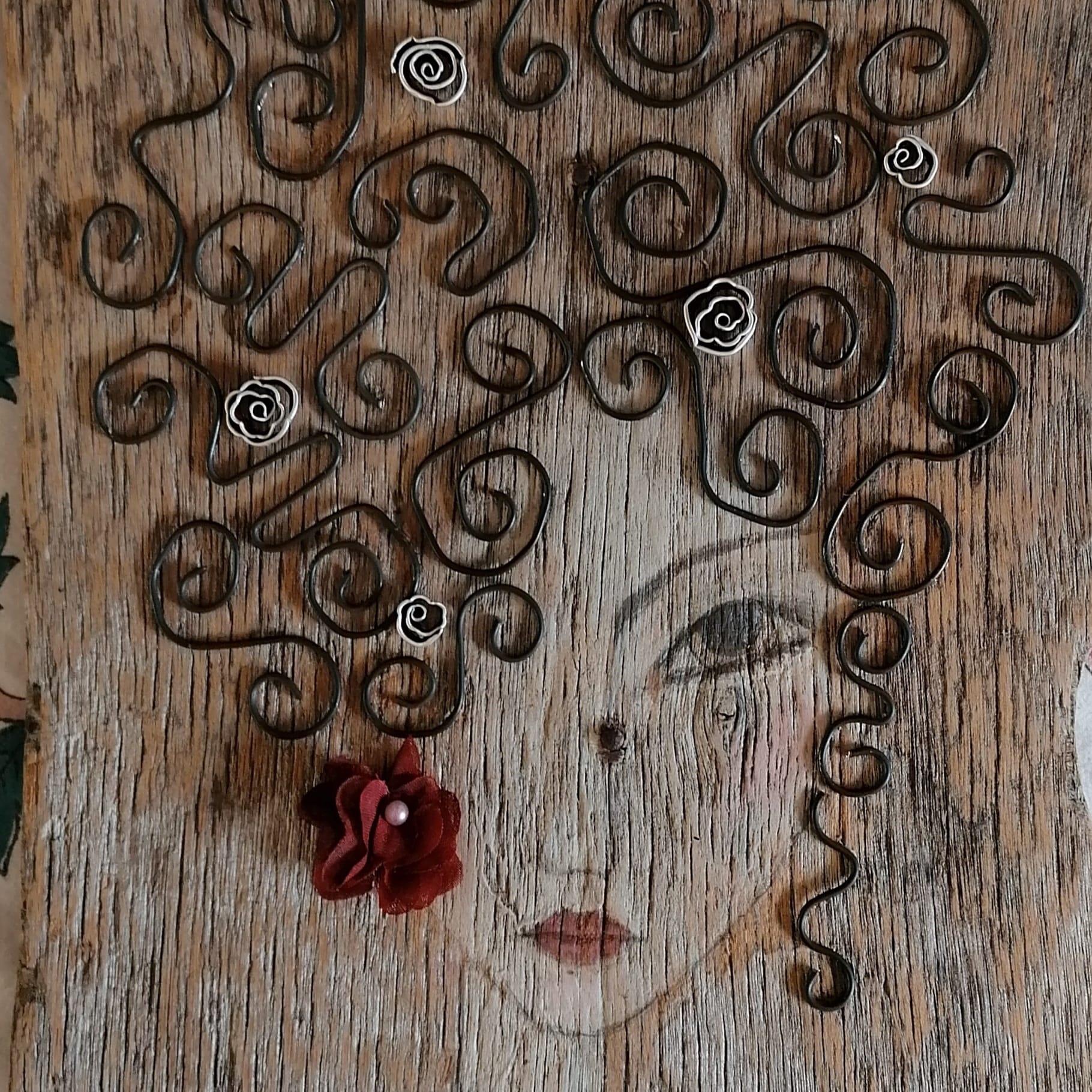 Fanciulla - artigianato ecosostenibile di Lizzy Bianconi